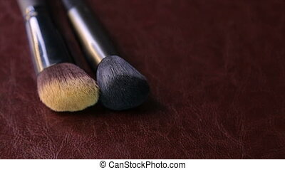 Two makeup brushes, circle rotation - Makeup brushes ,full...