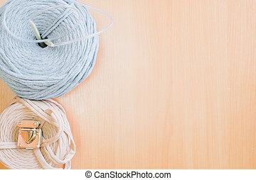 Two reel thread