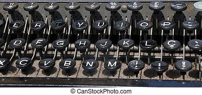 typewriter 30 years old
