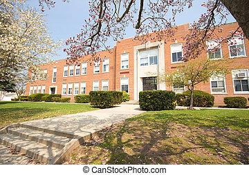 Elementary School - Typical American Elementary School