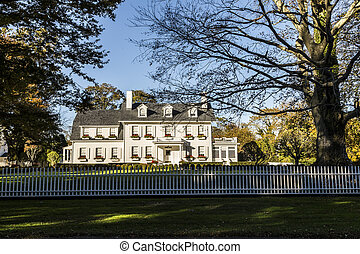 typical classical vintage House in East Hampton