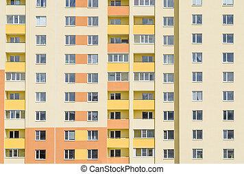 typique, immeuble, extérieur, à, brique, fenetres, et, balconies.