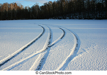 Tyre tracks in the snow