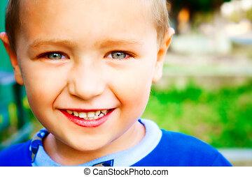 uśmiech, szczęśliwy, radosny, dziecko