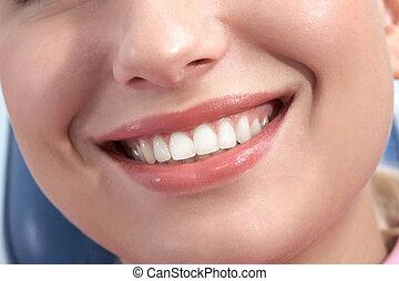 uśmiech, szczęśliwy