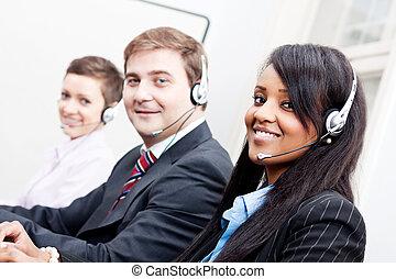 uśmiechanie się, callcenter, przedstawiciel, z, słuchawki, poparcie