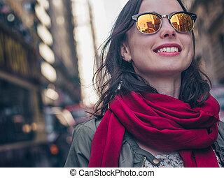 uśmiechanie się, sunglasses, dziewczyna