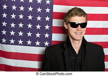 uśmiechanie się, sunglasses, młody mężczyzna