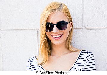 uśmiechanie się, sunglasses, nastolatek, samica