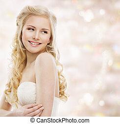 uśmiechnięta kobieta, blond, piękno, na, makijaż, młody, ...