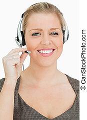 uśmiechnięta kobieta, pracujący, w, niejaki, nazywać środek