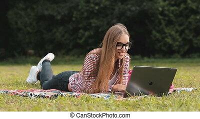 używa, laptop, park, student