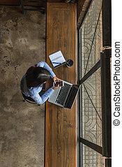 używając, kobieta, smartphone, biuro