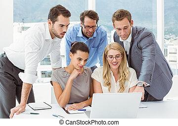 używając, ludzie, laptop, handlowy