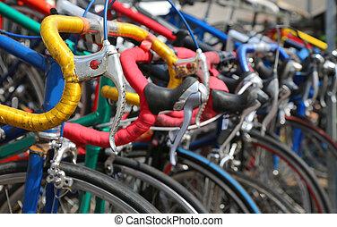 używany, rzeczy, sprzedaż, rowery, rocznik wina, dużo, targ, euro