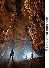 u-bahn, höhle