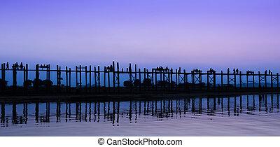 U Bein bridge in Amarapura, Myanmar - Stunning view of U...