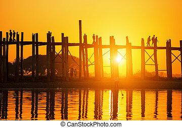 U bein bridge sunset - U bein bridge at sunset, Myanmar...