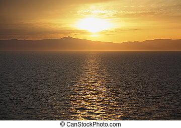 udsigter, af, dæk, i, cruise, ship., smukke, solnedgang, under, water.