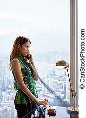 ufficio, donna d'affari, moderno, giovane, telefono, metallico, latina