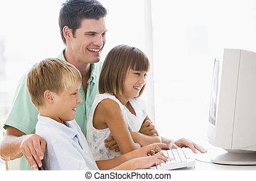 ufficio, due, giovane, computer, casa, sorridente, bambini, uomo