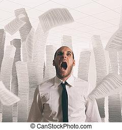 ufficio, volare, ha lavorato troppo, carta, fogli, uomo affari accentuato, grida