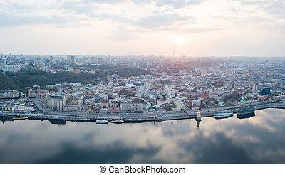 ukraine, été, dnieper, droit, oeil, podol, centre, kiev, sky., rivière, nuageux, district, oiseau, panoramique, bourdon, coucher soleil, fond, tir, banque, vue