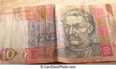 Ukrainian hryvnia and the US dollar,mov