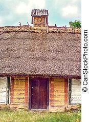 petite maison couvert chaume hutte hutte bois paille photographie de stock. Black Bedroom Furniture Sets. Home Design Ideas