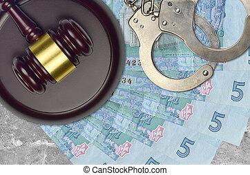 ukrainien, desk., hryvnias, procès, 5, impôt, action éviter, juge cour, marteau, police, concept, ou, judiciaire, menottes, factures, bribery.