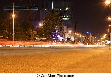 ulice, večer