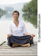 Ulrika - master of Nia und Pilates   meditates