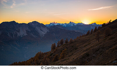 ultimo, luce sole, su, maestoso, montagna