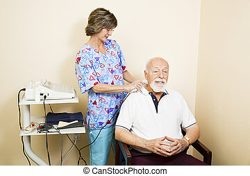 ultrasom, terapia, para, homem sênior
