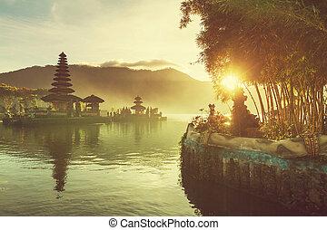 Ulun Danu. Bali - Pura Ulun Danu temple, Bali, Indonesia