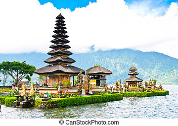 Ulun Danu temple Beratan Lake
