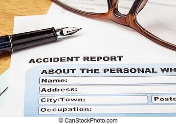 ulykke, rapport, ansøgningsskema, og, pen, på, brun, konvolut, og, eyeglass, forsikring branche, og, risiko, concept;, dokument, er, mock-up