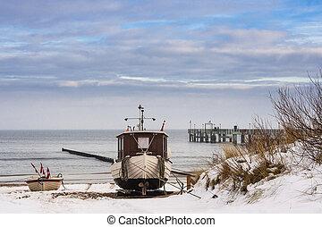 um, barco pesca, costa, de, a, mar báltico, em, winter.