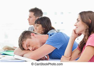 um, dormir, estudante, classe, como, a, outro, estudantes,...