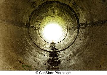 um, industrial, túnel, guiando, em, a, luz