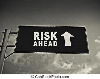 um, tabela de anúncios, ligado, um, nacional, rodovia, mostrando, risco, à frente, conceito