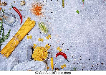 um, vista superior, de, macarronada, ligado, um, cinzento, pedra, experiência., noodles, fusilli, e, vermelho quente, pimentão, peppers., gostoso, italiano, cuisine., cópia, space.