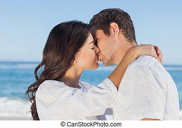 umarmen, andere, jedes, küssende , sandstrand