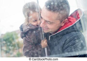 umbrella., fille, père, jeune, tenue, sous, transparent
