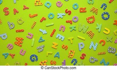 umieszczony, tło, plastyk, magnetyczny, alfabet, randomly, zielony, beletrystyka, barwny, papier
