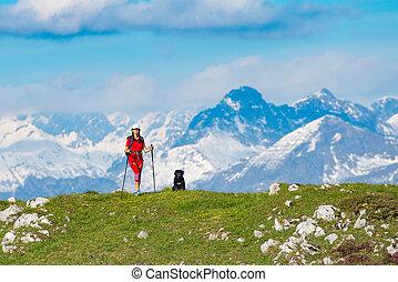 un, ande, el, montañas, un, mujer, con, ella, perro, amigo