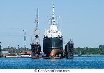 un, barco, en, baltiysk, muelle seco