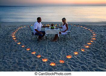 un, joven, amantes, pareja, acción, un, cena romántica, con,...