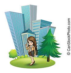 un, mujer, cerca, el, pino, a través de, el, alto, edificios