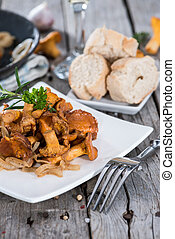 un po', cotto, chanterelles